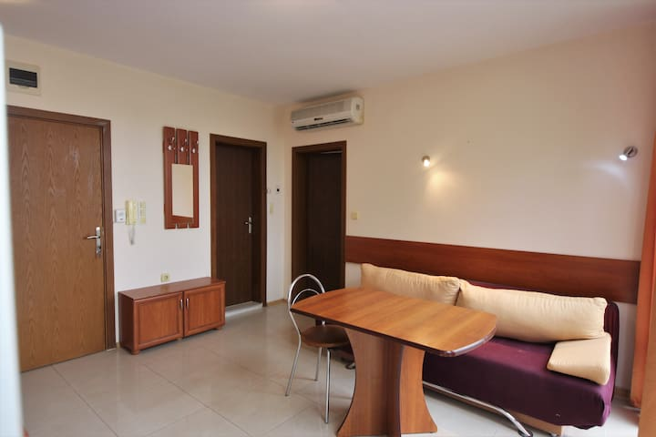 1 bedroom Eden A401