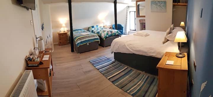 AA 4* B&B, The Blue room, breakfast included
