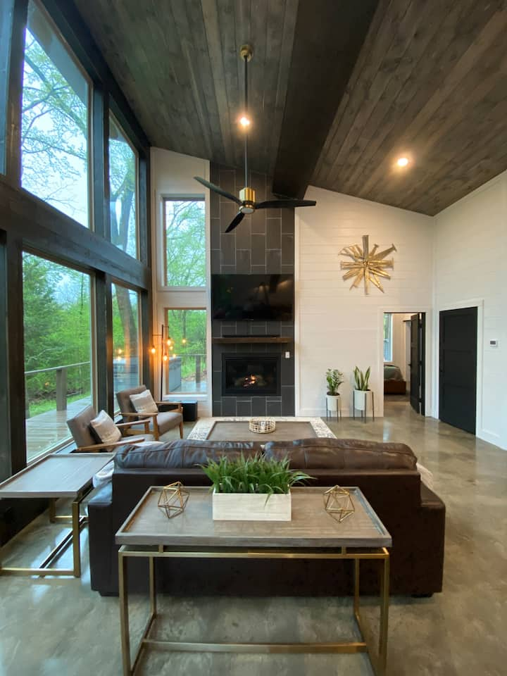 """NEW CONSTRUCTION """"The cabin on the Creek"""" HIGH LUXE 2 Bedroom cabin on Private Creek"""