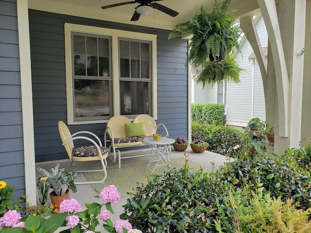 Relax on the Covered Front Porch and Prepare for a day of Nashville events!