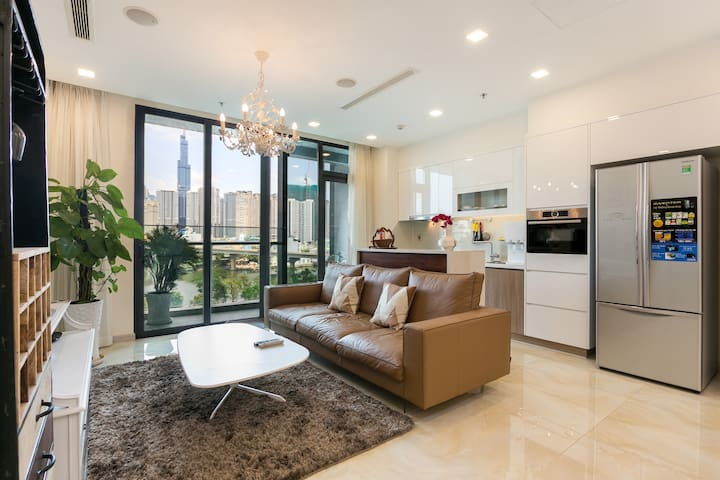 YUSTAY | Luxury PanoramicRiverView Vinhomes D1