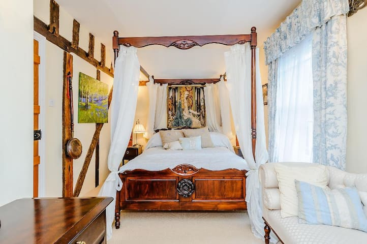 Lady Howard room.  Lady Howard was Countess of Oxford, wife of the builder and first owner of the house.  Four poster with en suite private bathroom