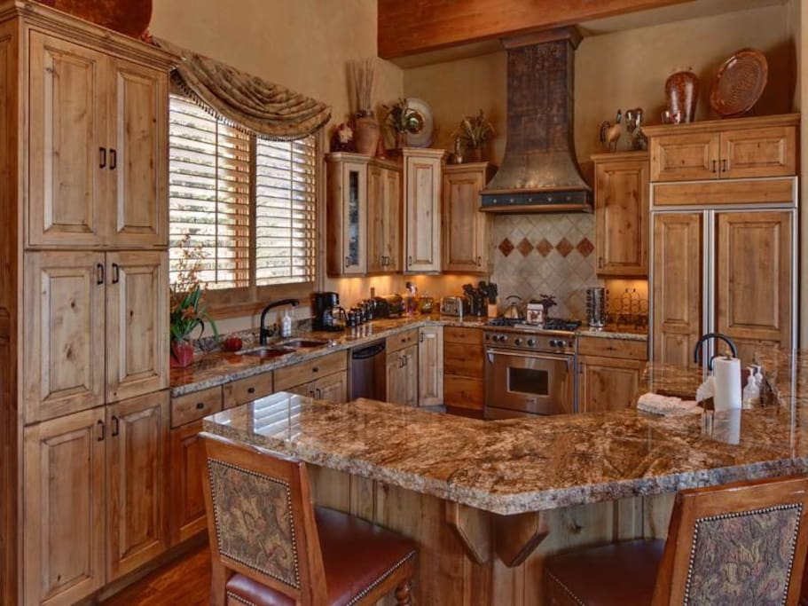 2020 Solamere Drive kitchen