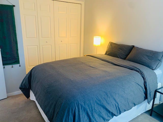 2nd bedroom with large closet and double bed