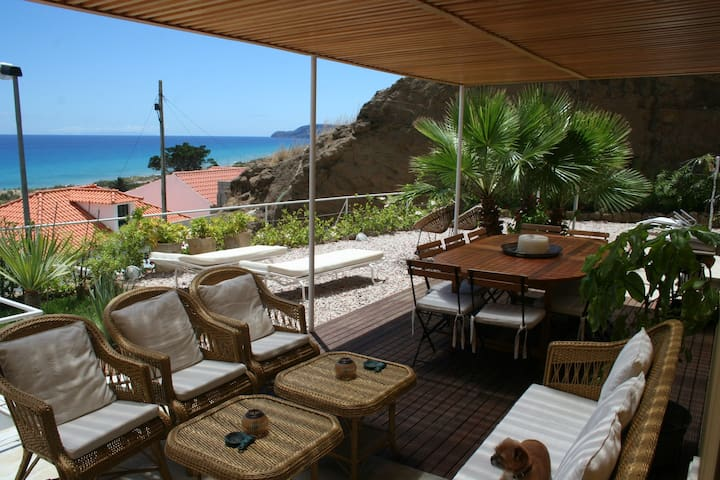 Lovely Sunny House with ocean view - Vila Baleira - Haus