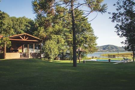 Casa de campo en costa del lago