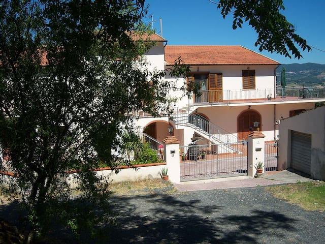 Villa Saracino Apartment 3 - Rosignano Marittimo - Huoneisto