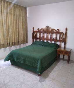 Habitación para descanso 1. Cerca hospital IMSS