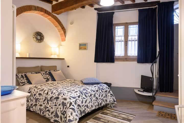 The enchanted apartment downtown Montepulciano