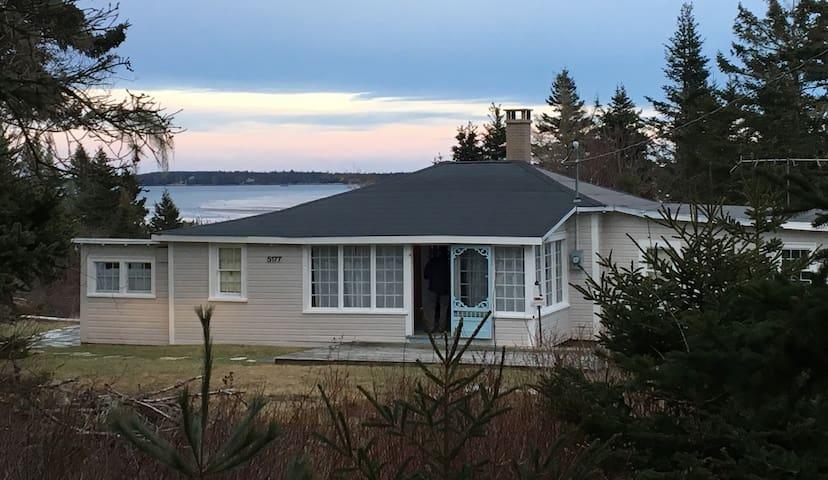 South Shore Oceanview, Crescent Beach cottage
