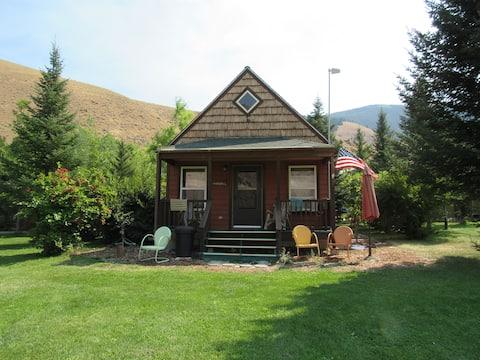Lemhi Shoshone Cabin, Greyhouse Vacation Rentals