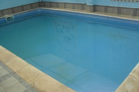 Countryside Indoor Pool, Games Room and Gym - Fernandinho - 别墅