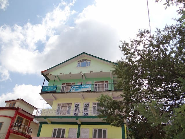 Green Valley Home Stay Deluxe room 3