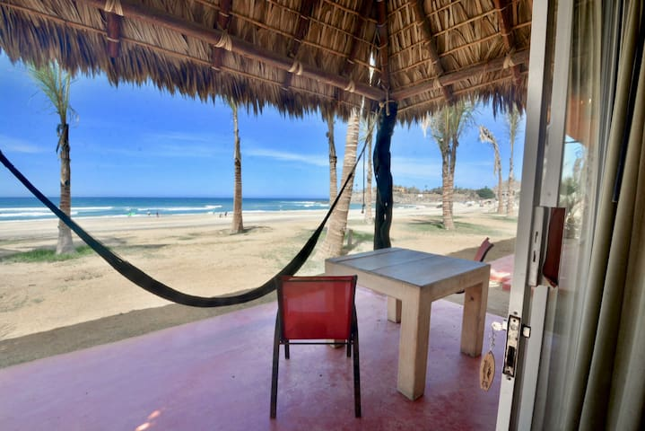 Estudio frente a la playa / Beach Front Studio