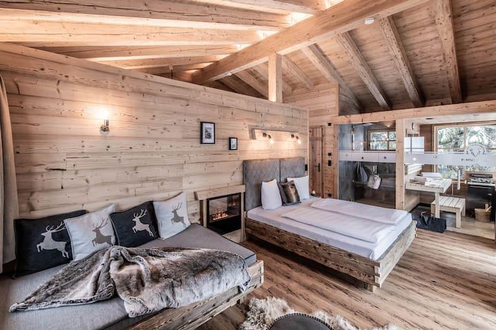 Wohn-/Schlafzimmer, Daybed, Indoor-Wellness-Dusche, Sauna