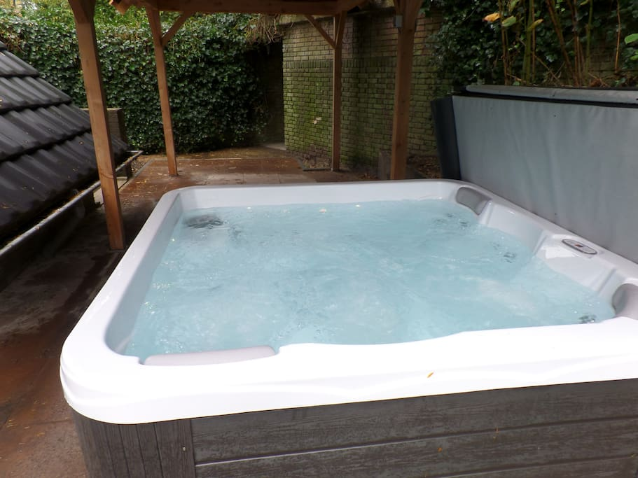 5 persoons jacuzzi