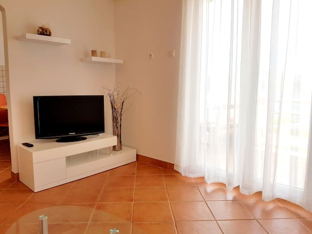 New apartment 5 min from the beach - Novalja  - Daire