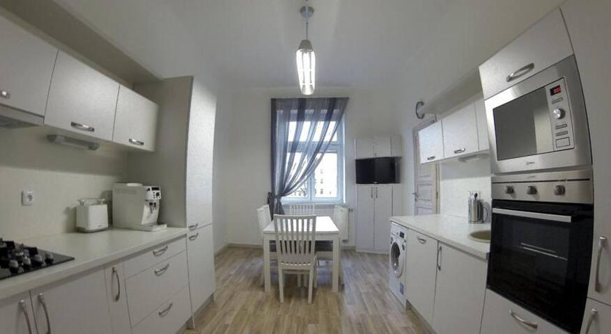 Three-Bedroom Art-Apartments - Praag - Appartement