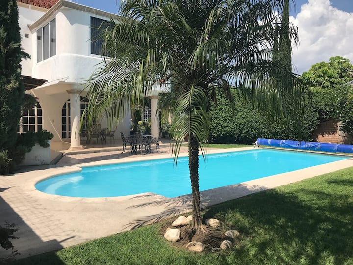 Villa Trial, home with pool in Guanajuato city.