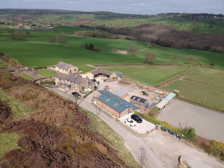 Farmhouse retreat - private annex