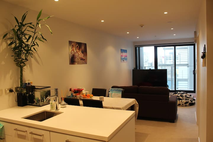 Private Room with Work Desk in Central Auckland - Auckland - Wohnung