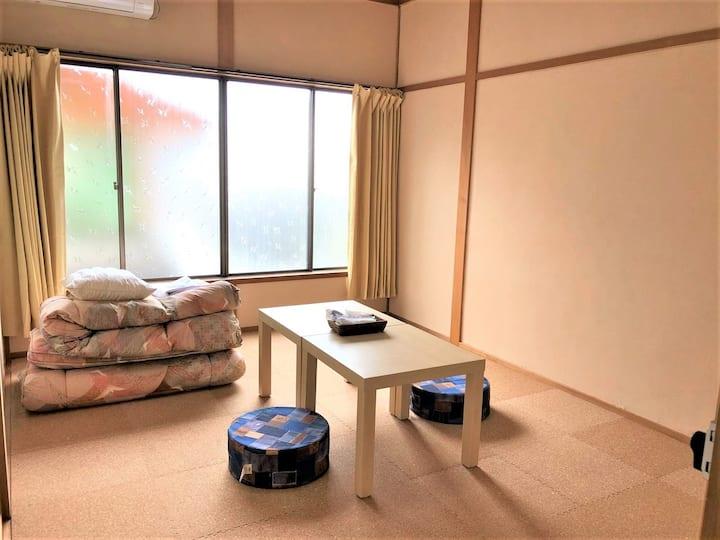 長野県宮田駅前ゲストハウス宿屋DOYA・高速バス停徒歩7分・個室5部屋-2・洋室6畳定員1~3名まで