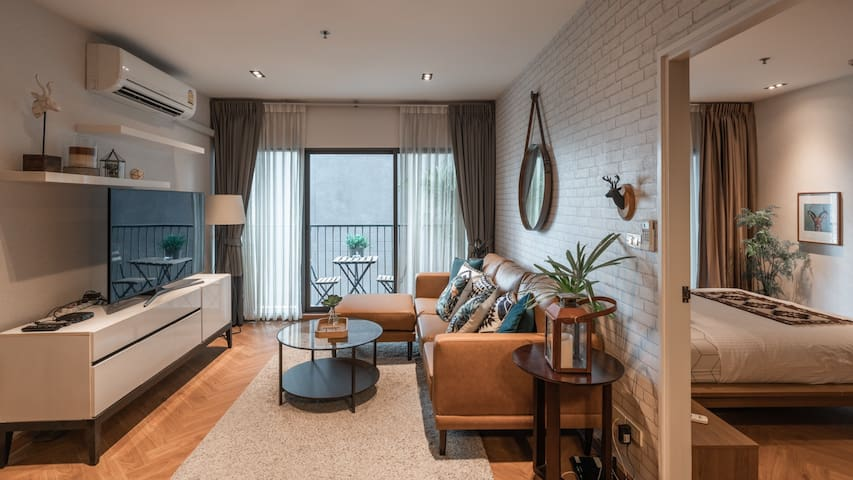 Cozy and specious city home, connected to BTS