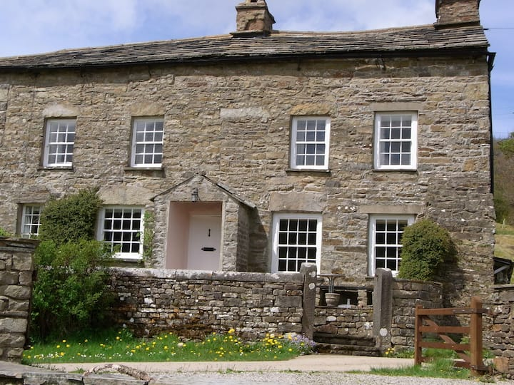 Holiday Home in Dentdale with abundant character
