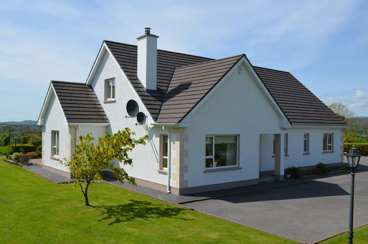 Quiet area with panoramic views - Donegal  - Talo