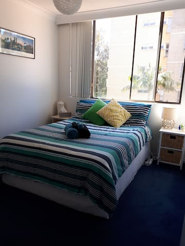 Very Convenient Cremorne Unit