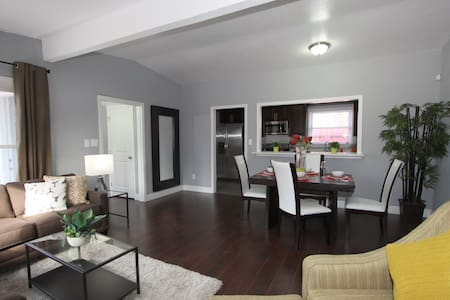 Renovated Home In East Palo Alto - East Palo Alto - Casa