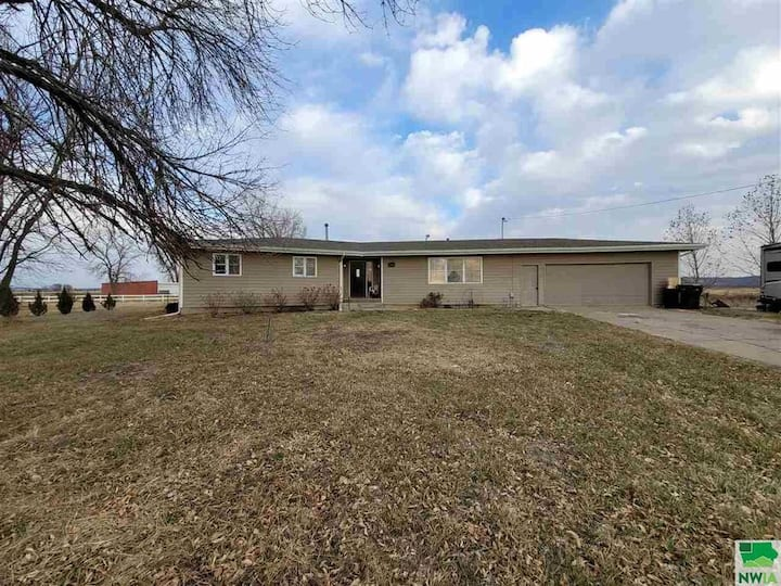 Country Cottage-Convenient location-Tri-state Area