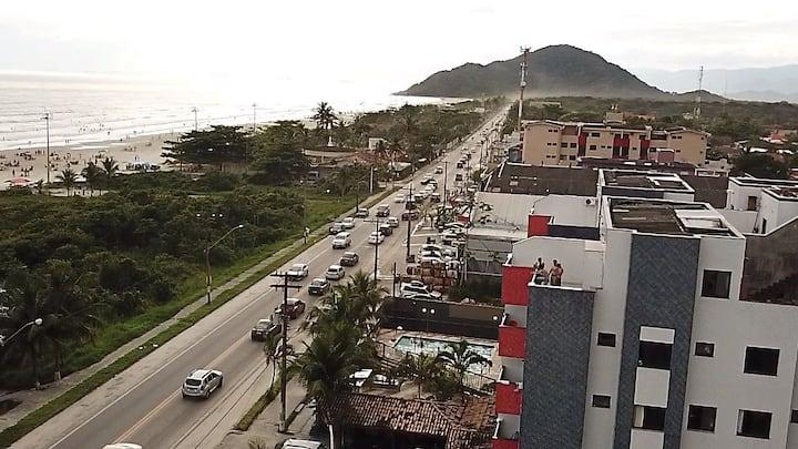 Predio Frente pro Mar-Pé na areia em Boracéia (31O