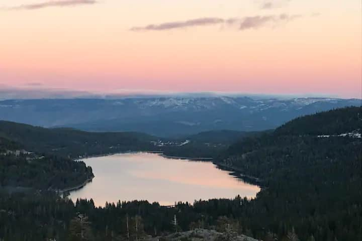 Donner Summit - Ski In, Ski Out