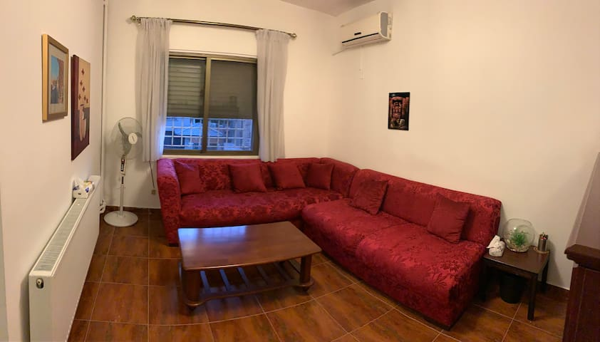 1BR fully equipped apartment right on 2nd circle.