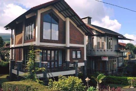 Villa Istana Bunga Blok G4 - Parompong