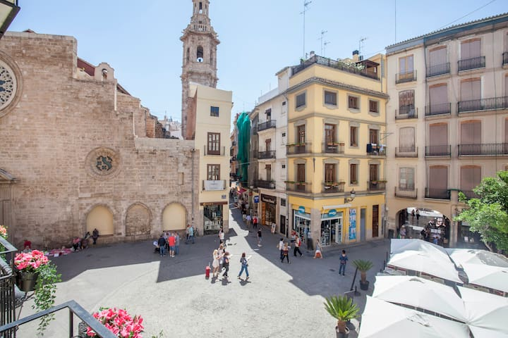 VIEWS OF THE VIBRANT PLAZA LOPE DE VEGA FROM OUR APARTMENT!
