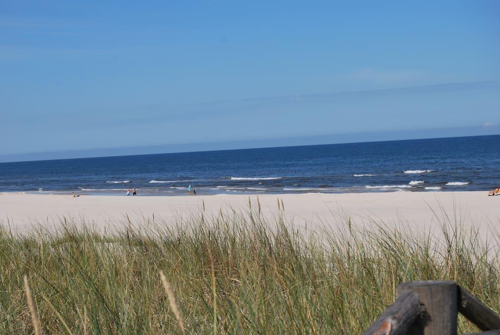 przepiękna dzika plaża jeszcze bez tłoków