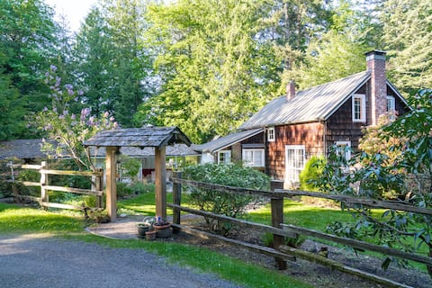 Historic Barn @ Harper's Hill