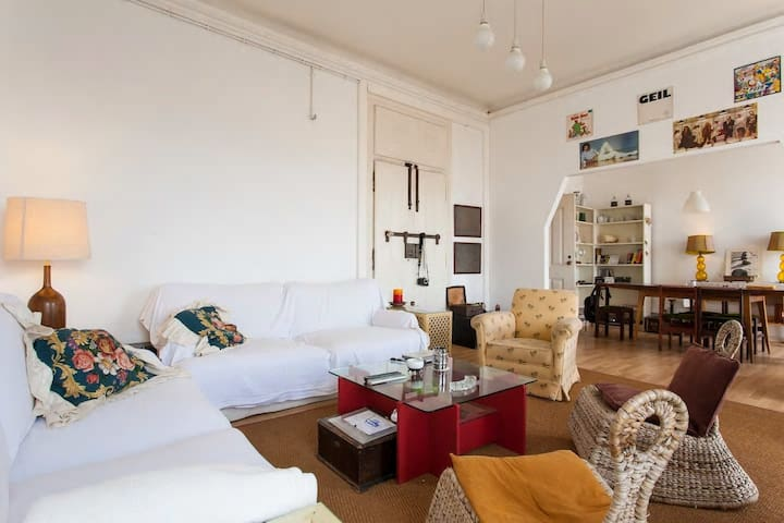 Bright Double Room, Cais do Sodré Shared Apartment