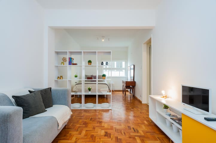 Comfortable Studio - one block from Av. Paulista
