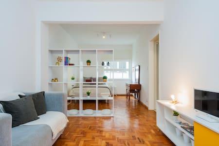 Comfortable Studio - one block from Av. Paulista