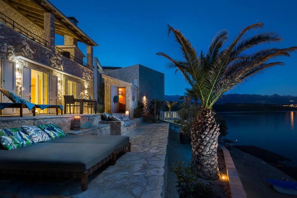 good cama resort g stesuiten zur miete in posedarje zadarska upanija kroatien. Black Bedroom Furniture Sets. Home Design Ideas