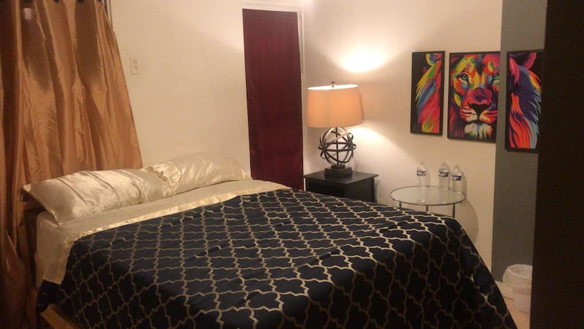 Amazing Stay in Bushwick! Private Garden + Parking