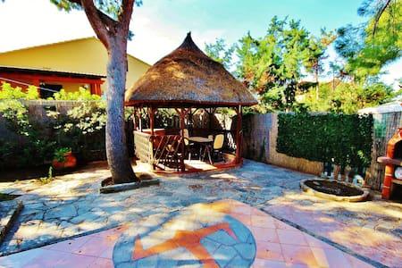 Yullis Village - Campofelice di Roccella