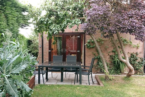 Cosy garden annex in Scarborough