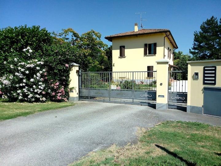 Residenza Gavioli Via Angelelli  vista giardino 1