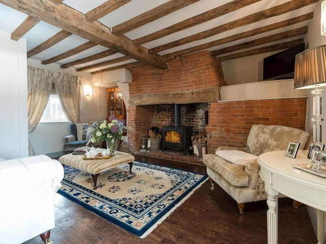 Beautiful New Forest Cottage, Elmhurst - Whiteparish - 獨棟