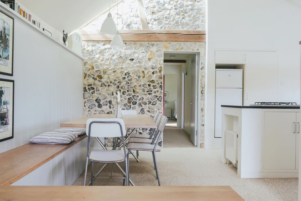 Quaker Barn is an award-winning barn conversion and has been rated 5* by VisitEngland