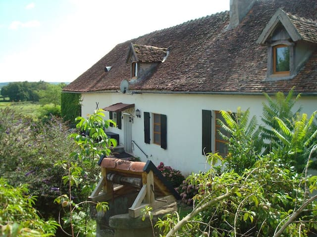 Gîte in het departement Allier - Saint-Aubin-le-Monial - Blockhütte